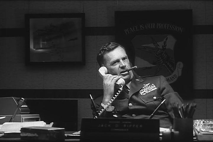 Бригадный генерал Джек Д. Риппер (Стерлинг Хейден, кадр из фильма Доктор Стрейнджлав или Как я перестал бояться и полюбил бомбу)