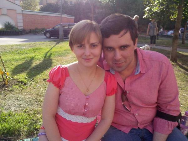 Константин Янкаускас и Ольга Горелик перед судом по продлению домашнего ареста