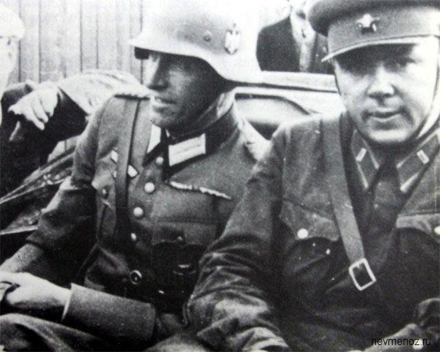 Советский и немецкий солдаты