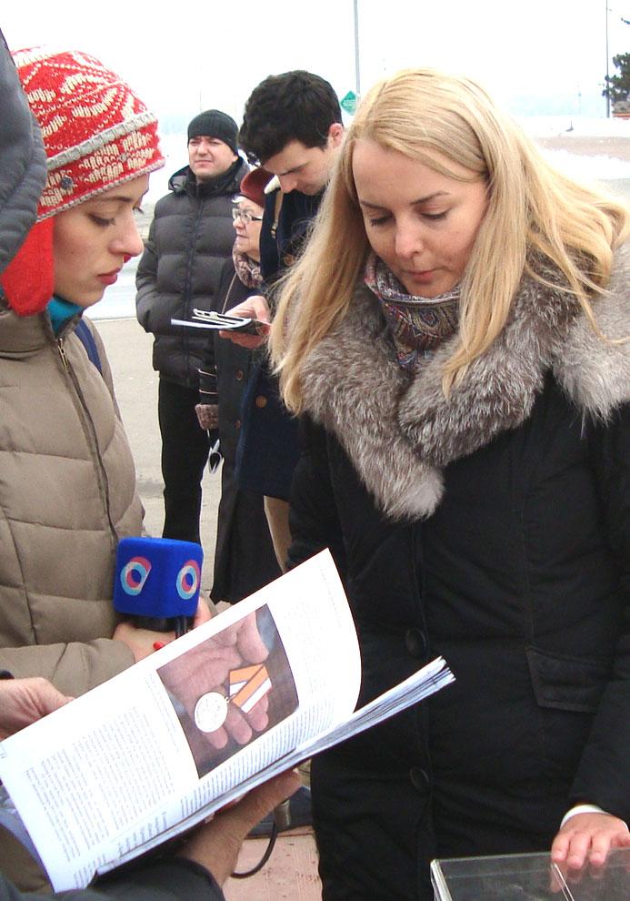 Участники митинга памяти Бориса Немцова в Самаре