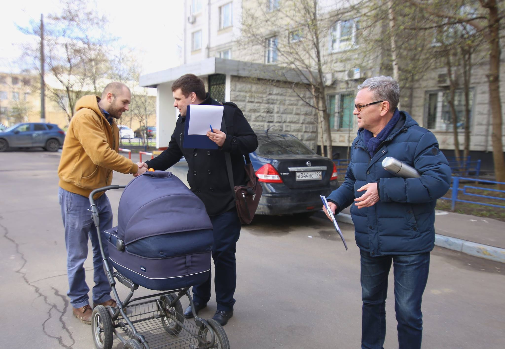 Встреча Константина Янкаускаса и Сергея Соколова с жителями Зюзина